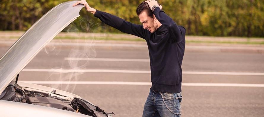 Jangan Panik, Lakukan Hal Ini Jika Mobil Mogok Di Jalan